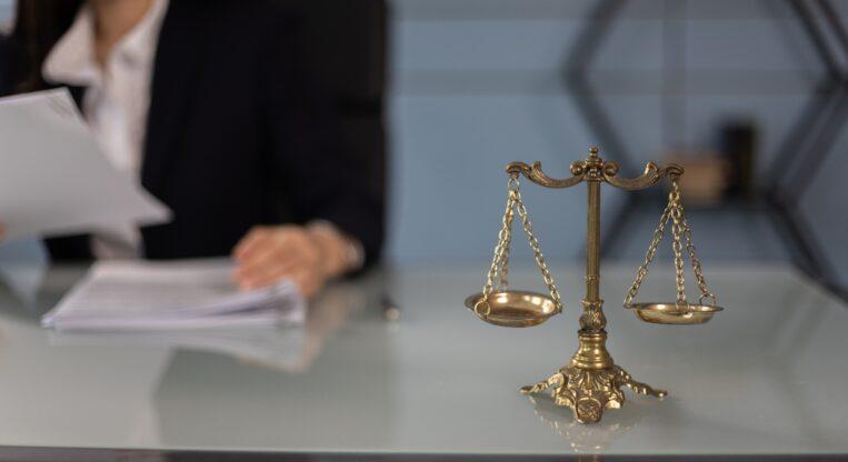 klauzule w umowie inwestycyjnej
